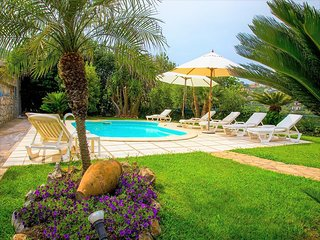 3 bedroom Villa with Pool, Air Con and WiFi - 5737725