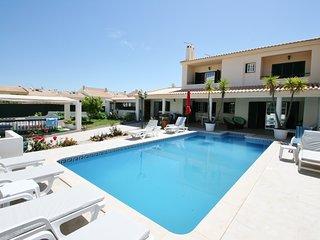 4 bedroom Villa in Caliços, Faro, Portugal - 5721080