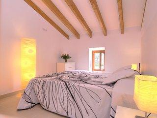 Pollenca Villa Sleeps 6 with Pool and Air Con - 5737776