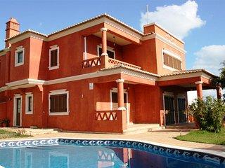 4 bedroom Villa in Praia da Oura, Faro, Portugal - 5721094