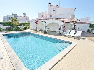 5 bedroom Villa in Areias de Sao Joao, Faro, Portugal : ref 5721100