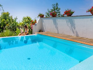 4 bedroom Villa with Pool, Air Con and WiFi - 5737712