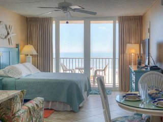 Direct Gulf of Mexico Views.  Private Balcony.  Updated and Comfortable!