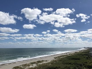 7520 Ridgewood Ave #605 :: Cape Canaveral Vacation Rental