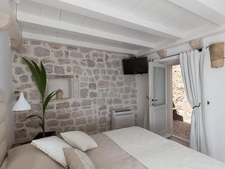 Dubrovnik Sweet House - Deluxe Double Room with Terrace (SOBA 1)