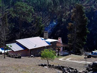 Casa de campo con costa propia sobre el río Los Reartes