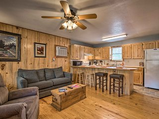 NEW! Cabin w/Hot Tub & Deck Near Broken Bow Lake!