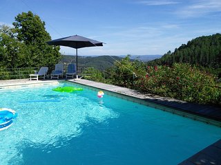 La calade de Joux : Maison 18 ème rénovée avec piscine privée et vue panoramique