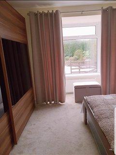 Bedroom 1 8ft wardrobe