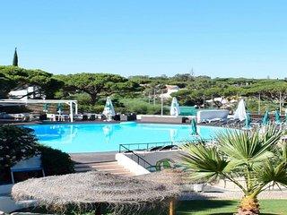 2 bedroom Apartment in Vale do Lobo, Faro, Portugal : ref 5718940