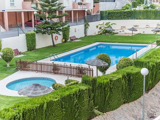 Spacious apartment a short walk away (289 m) from the 'Playa de Las Yucas' in Be