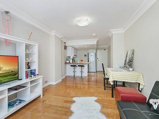 Sydney CBD 1 Bed APT   BEST LOCATION