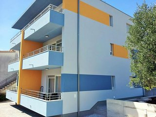 Cozy apartment in the center of Podglavica with Parking, Internet, Air condition