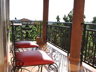 Spacious summit-view apartment in a quiet & serene area overlooking Kampala City