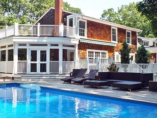 Sag Harbor Family-Friendly Getaway-New GYM,Pool Pavilion Outdoor FIreplace & Bar