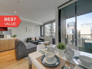 A Spacious & Cozy CBD Suite Near Southern Cross