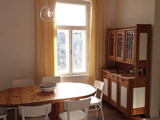 Sonnhof Ressl Klassik Appartement - Wohnen im Grünen nahe Wien