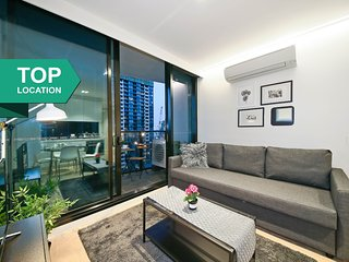 2BR LightHouse Suites in Melbourne CBD