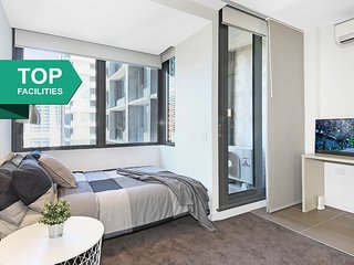 A Cozy CBD Studio Near Southern Cross + FREE Wi-Fi