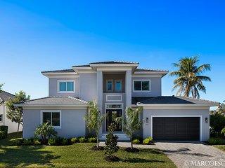 BELLA ALIA - Modern Florida Contemporary Defined; Southwest Exposure!