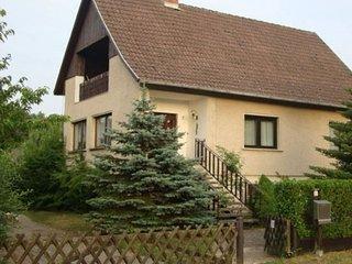 Ferienhaus Ender mit kleinem Privatzoo und beheiztem Innenpool in Wentdorf