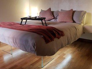 Leoncino Apartment