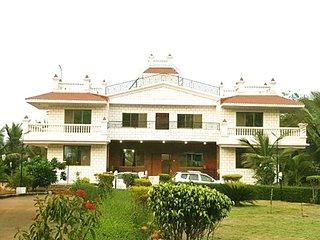Aqdas Farm- Villa with Seven Bedrooms and Private Pool