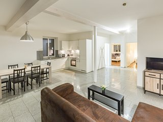 Modern 2-Bdrm Apartment for up to 7 Persons
