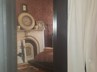 One Furnished Bedroom Available in Fort Greene - Bedroom 2