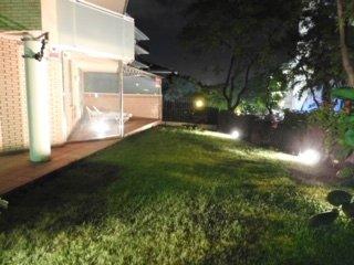 Apartamento con parking, jardín con jacuzzi y bbque 3' de playa zona turística