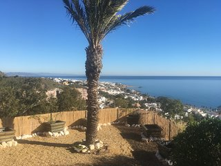 Stunning villa surrounded by sea views, with large pool in Mojacar