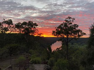 Large luxury weekender on the Hawkesbury River