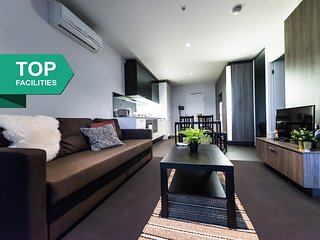 COZY 2BR Suites NEXT to SOUTHERN CROSS + FREE WiFi