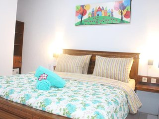 budget double room ( one full bed )