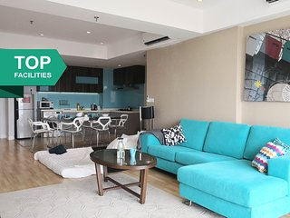 LARGE 2BR D'Majestic Suites 10 + INFINITY POOL
