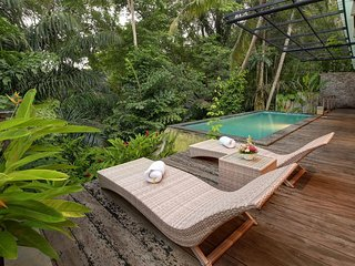 2-BR Private Pool Villa + Breakfast