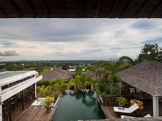 Amazing 3BDR Villa with Pool Jimbaran Area