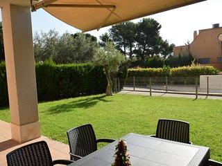Apartamento con jardín zona Playa del Arenal APT 02 049