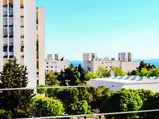 Apartment Maja – Lovely Urban Apartment with Views
