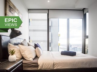 A Cozy CBD Suite with an Amazing View of the Yarra