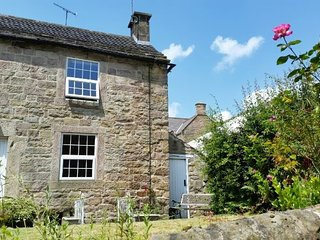 Jewel Cottage, Central Matlock Historic 1740's Cosy Cottage
