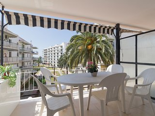 Cozy studio with air conditioning located in heart of Salou.