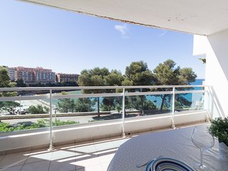 Nice apartment with magnificent views to the beach of Capellans