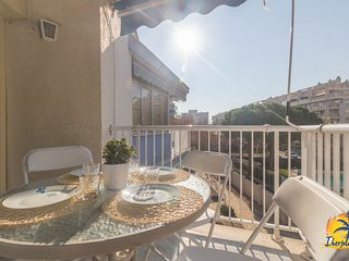 Nice apartment 8 pax A/A located 100 mts. from the beach Llevant de Salou.