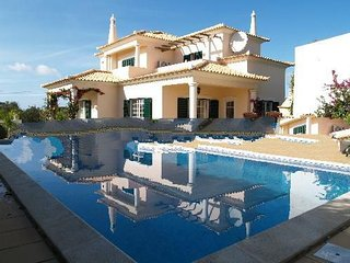 3 bedroom Villa with Pool, Air Con and WiFi - 5000240