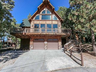 BLACK DIAMOND CHALET~Hot Tub~Pool Table~Central Location~