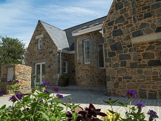 La Grange, Sark - Superb House in Channel Islands, Sleeps Up to 8 People