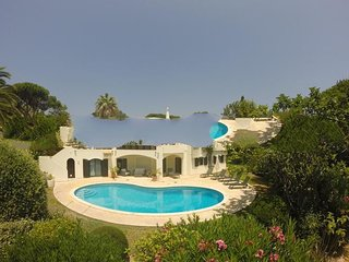 4 bedroom Villa with Pool, Air Con and WiFi - 5385650