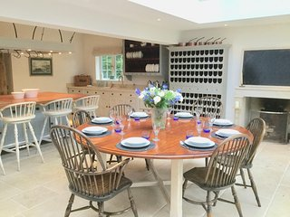 Canford Magna Holiday Home Sleeps 21 with Pool and WiFi - 5742617