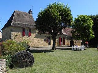 Les Tilleuls, Finsac.  Perigordine House in quiet location.